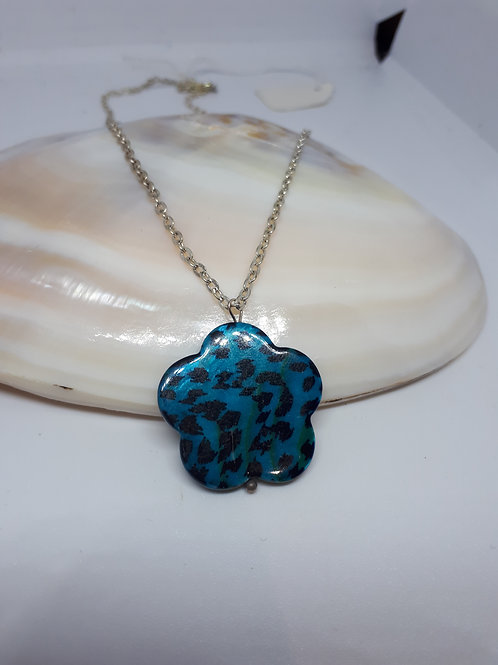 Silver-Plated animal print patterned shell Pendant necklace
