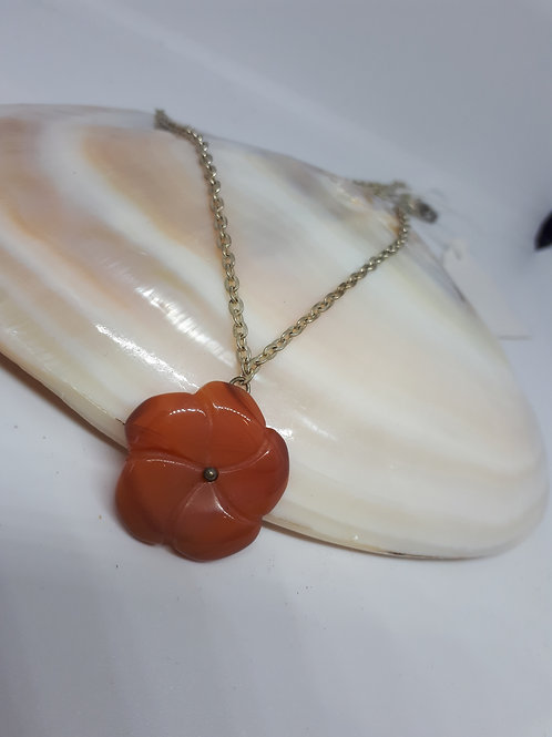 Red agate flower pendant necklace