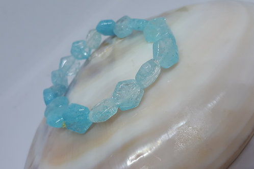 Blue crackled quartz hexagon stretchy bracelet