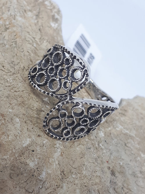 Sterling silver bypass ring - size M