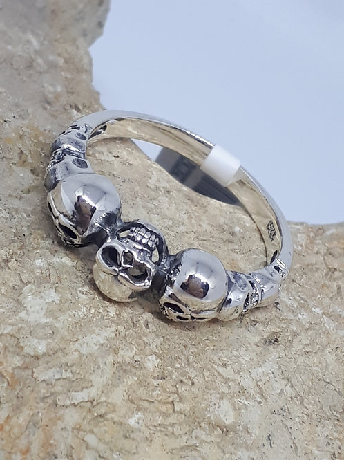Sterling silver skull ring - Uk size U