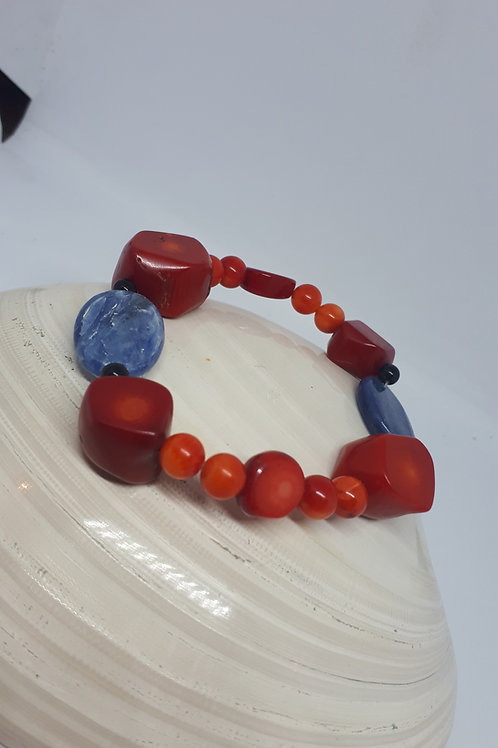 Coral and kyanite stretchy bracelet