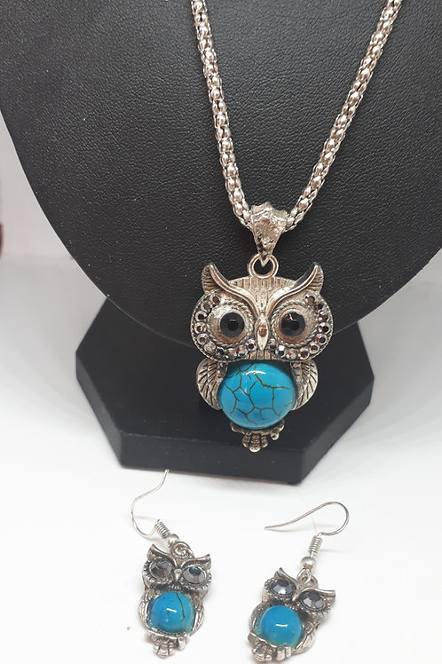 Silver tone blue howlite owl necklace and earring set
