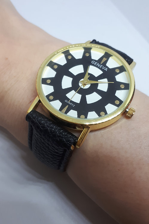 Ladies cog wheel watch