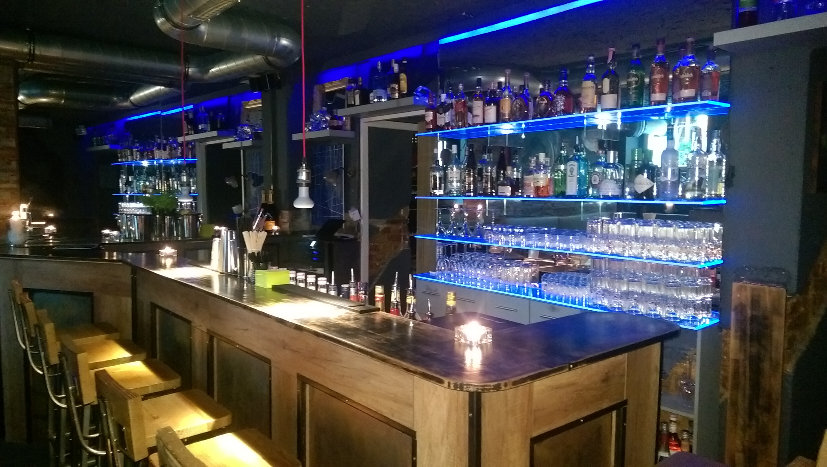 Exclusive Bar Crawl