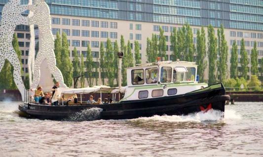 Отдых на моторной яхте в Берлине