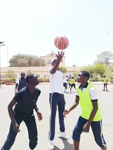 Tournoi de basket organisé par les premières option EPS