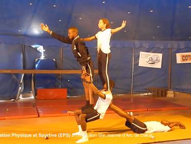 Les élèves de Seconde option EPS, la passion du sport... et les arts du Cirque !