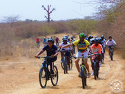 Pour marquer la fin de l'année,55 élèves de l'Association sportive partent en randonnée à Popenguine