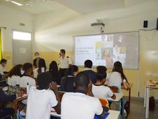 Monsieur Aymeric Perrin partage sont expérience avec les classes de Première
