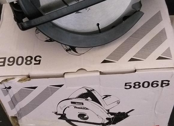 Пила циркулярна Makita 5806B