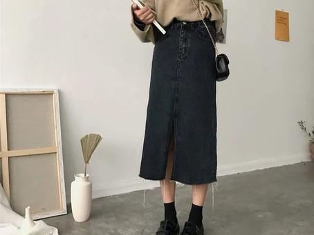 Comment bien porter la jupe midi en jean, tendance automne/hiver 2020.