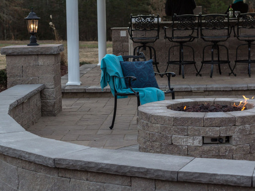5 Paver Patio Design Concepts that Complement a Retaining Wall in the Halifax County, VA, Area