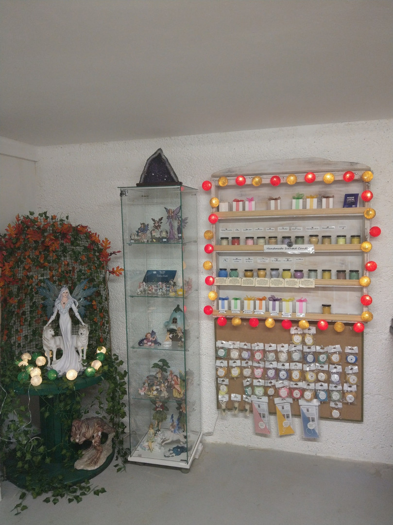 Handcrafted Scented Candles and Wax Melts