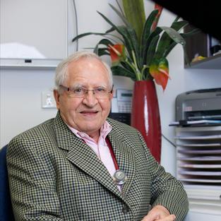 Dr Martin Panter