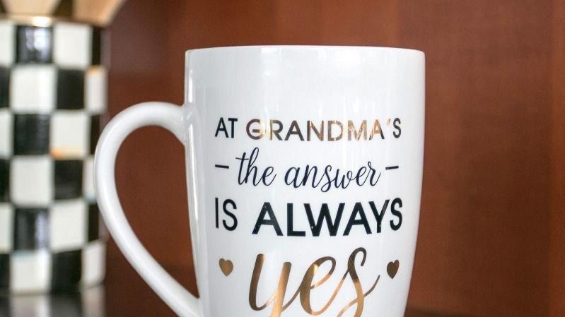 Pearhead Grandma Mug