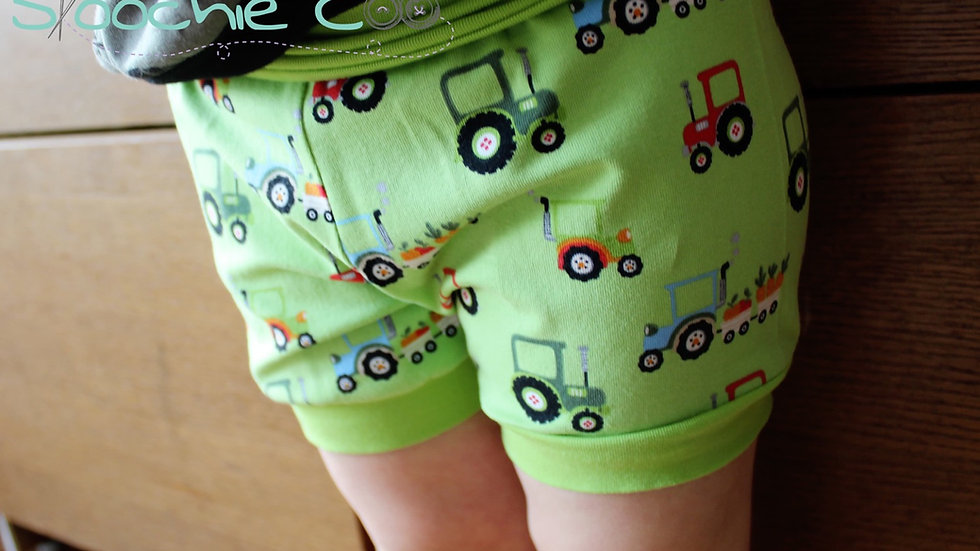0-3m Skoochie Coo Shorts!