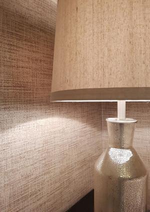 Detalle papel de pared y lampara.jpg