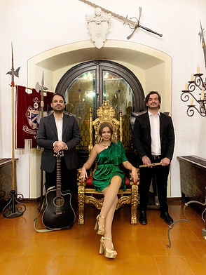 Фото 1 Кавер Группа в Италии - Катрин Мо