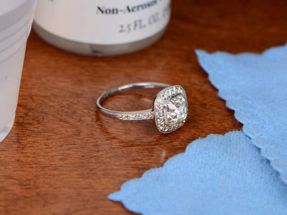 HOW OFTEN TO GET YOUR JEWELLERY CLEANED AT STORE?