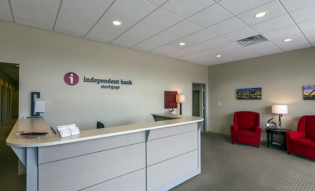 IndependentBank102014_1110-1140x641.jpg