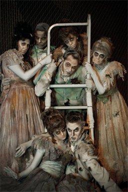 DISNEY Parade Zombies