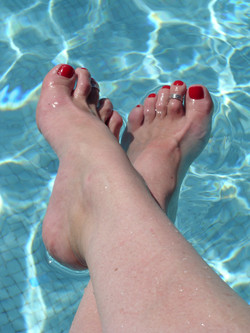 bare toes
