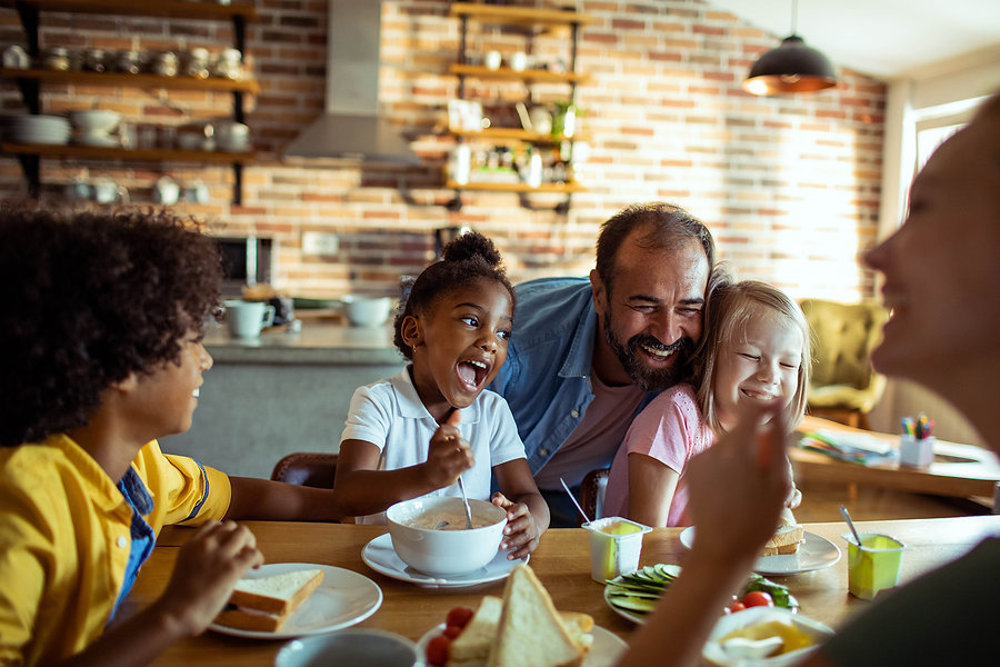 Young-Family-having-Breakfast-1171653873