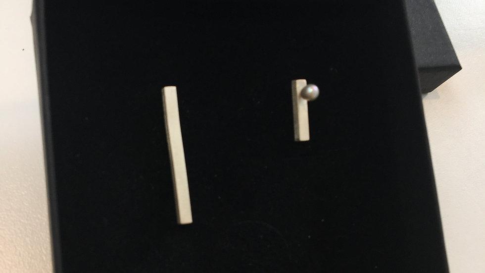 ASSYMETRIC PEARL Earrings -TON SUR TON