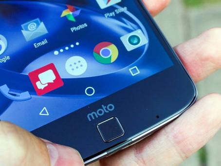 Possível variante do Moto X4 aparece na web e indica foco em selfies