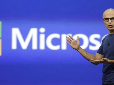 'Faremos celulares que não se parecem com os de hoje', diz CEO da Microsoft