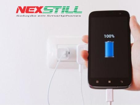 Fique atento aos erros mais comuns na hora de carregar a bateria do smartphone