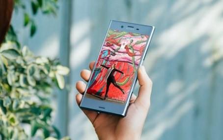 Sony Xperia XZs é a versão compacta do smartphone premium da marca