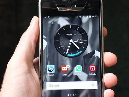 A Vertu, que faz smartphones para quem torra dinheiro, foi comprada