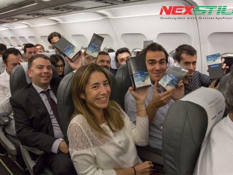 200 passageiros de voo na Espanha ganham Galaxy Notes 8 grátis