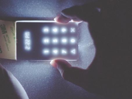 O celular mais simples do mundo também é um dos mais bonitos