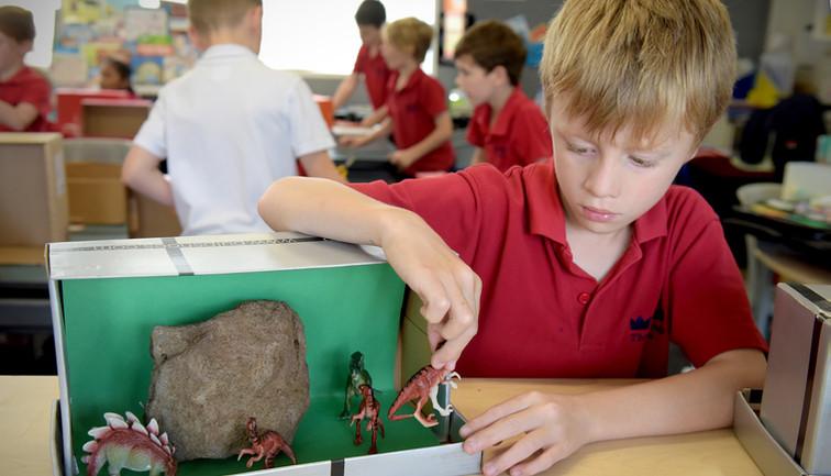 Diaorama Making at Three Kings School