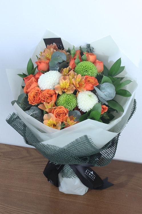 橙小玫 + 乒乓菊 + 襯花 花束