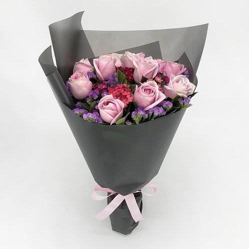 玫瑰 + 時令配花 花束