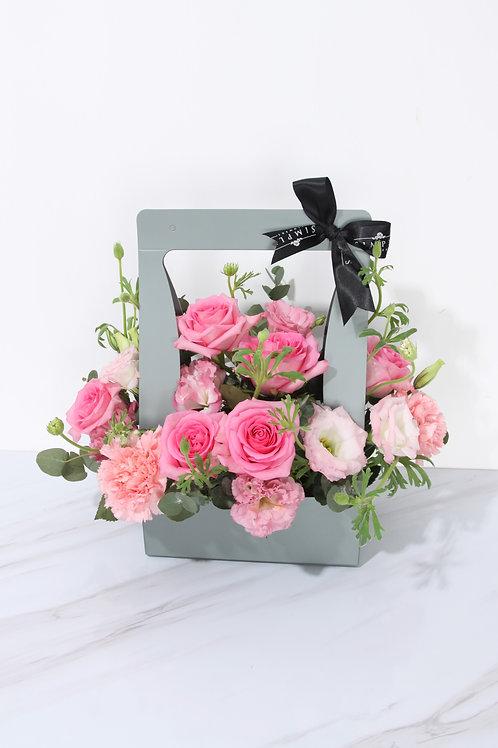 母親節 粉紅玫瑰 加時令配花 手提袋
