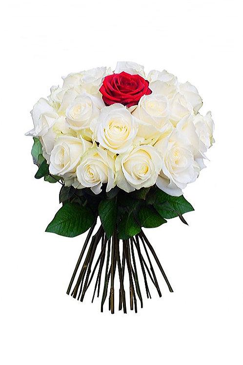 白玫瑰 + 單支紅玫瑰 花束