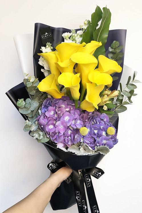 馬蹄蘭 + 繡球 + 襯花 花束