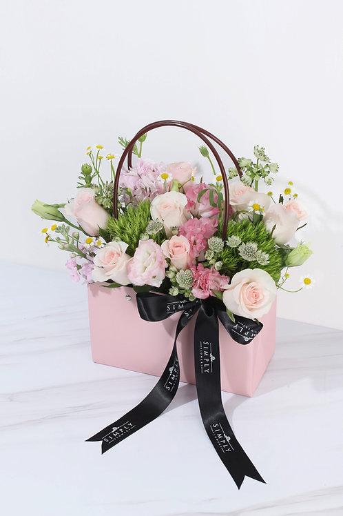 粉紅玫瑰 加時令配花 花袋