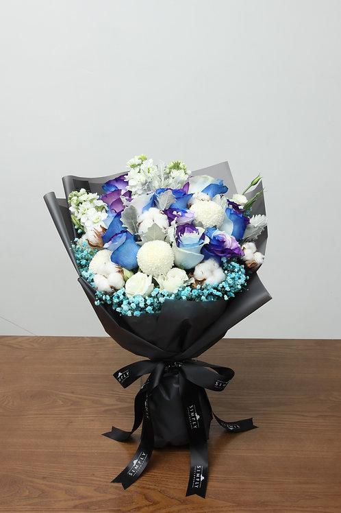 混色紫藍玫瑰 + 乒乓菊 + 襯花