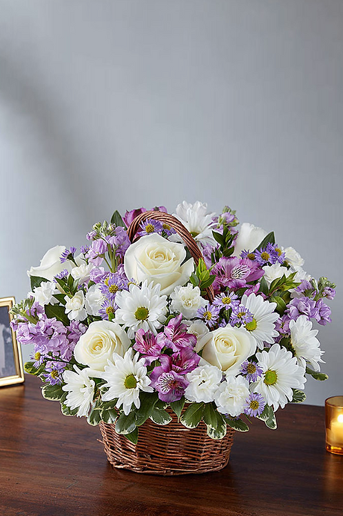 白玫瑰 + 小百合+ 日本射香 花藍
