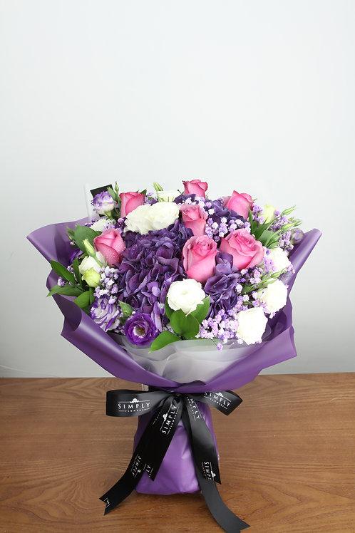 紫繡球 + 紫玫瑰 + 桔梗 花束