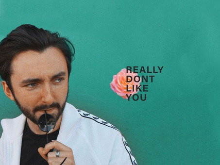 Exceptional indie artist Conal Kelly releases unforgettable new single 'Really Don't Like You'