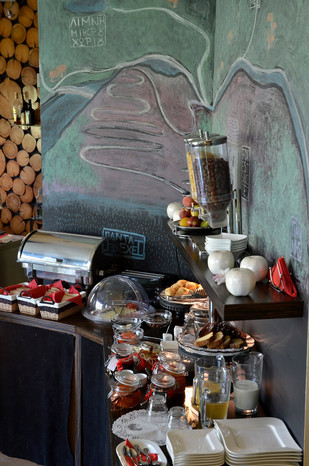 karpenisi-forest-suites-breakfast-buffet