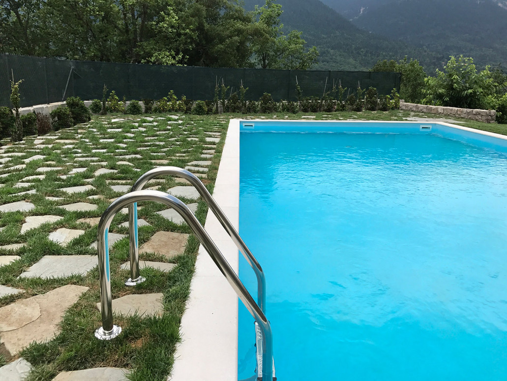 karpenisi-forest-suites-swimming-pool-6.