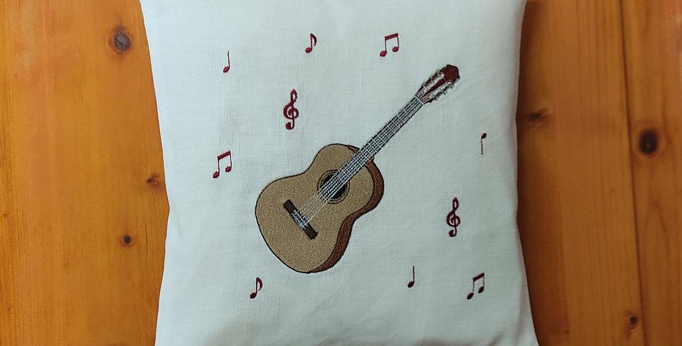 Zirbenkissen bestickt - Gitarre -